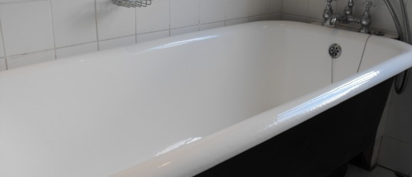 Lovely roll top bath resurfaced in situ.